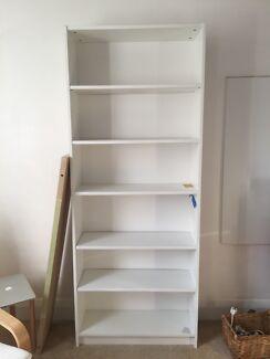 White melamine bookcase. As new. FREE!