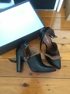 Womens leather pointed toe heels size 37 Cronulla Sutherland Area Preview