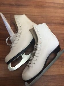 Ladies skates - size 7