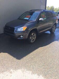 9999$neg. Toyota rav4 2011 sport 4x4 4 cyl
