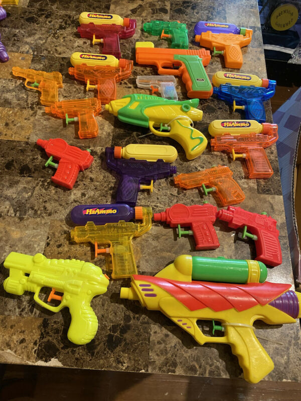 lot of vintage  squirt guns (35) All Different Kinds And Sizes