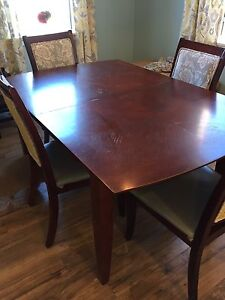 Dining table and 4 chairs - Updated price!