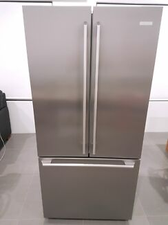 excellent condition barely used electrolux ehe5107sa fridge
