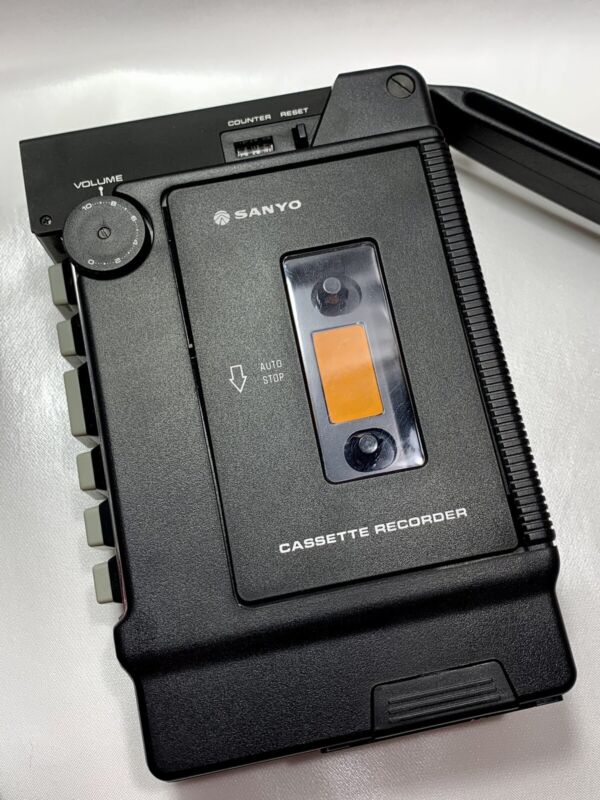 Sanyo Mini Cassette Recorder Vintage Japan TRC 1200 W/ Case Excellent Condition