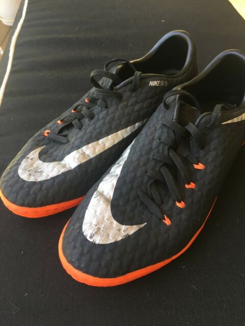 8dbaba01e79 Nike Hypervenom Futsal Boots - size US 8.5 + adidas Shinpads