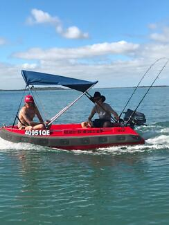 Redlands Boat Hire on Moreton Bay 'Tow & Go' where you want.