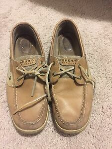 Female Sperrys