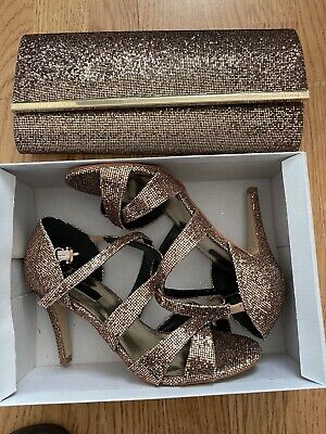 Beautiful Matching ladies evening shoes size 5 And Clutch Bag - Stunning Combo