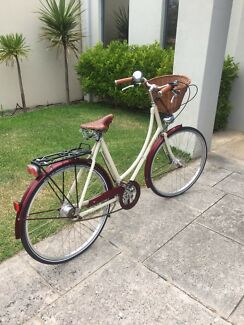 Women's Pashley bicycle