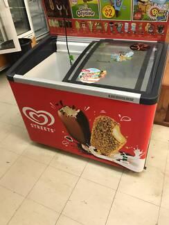 Commercial Display Ice Cream Freezer Smaller
