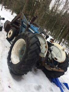 Ford 3000 tractor with loader