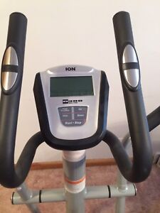 Ion 300 Elliptical Machine