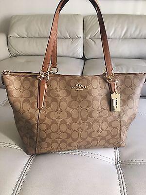 handbags Coach Medium brown color with straps