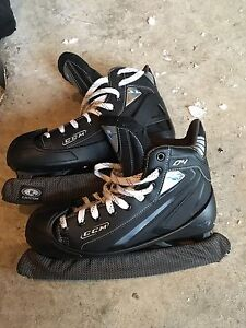 Patins gardien but CCM taille 9 super état