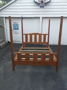 Victorian, canopy /4 Poster bed