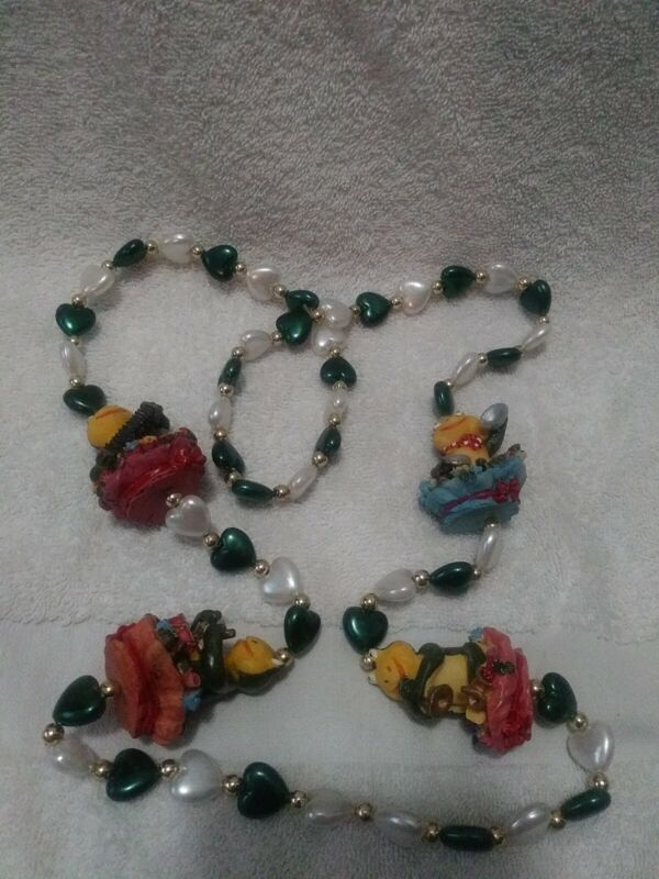 """MUSICAL FROGS"" PLAYING GUITARS & BONGOS MARDI GRAS NECKLACE BEADS"