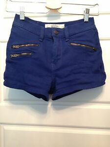 Abercrombie & Fitch high waisted shorts 00