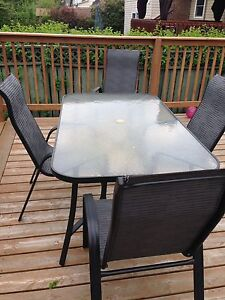 Rectangular patio table + 4 chairs