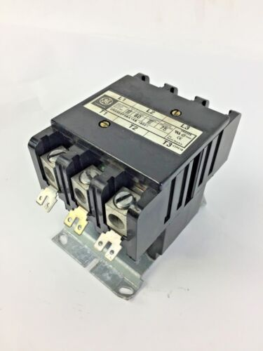 General Electric GE 30A 600Vac 120V CR353AC3BA1 Coil 3 Pole Contactor