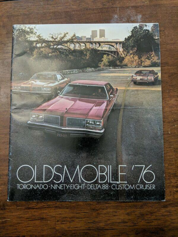 1976 Oldsmobile Car Dealer Sales Brochure