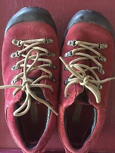 Hiking shoes size 8