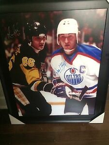Wayne Gretzky and Mario Lemieux signed framed photo