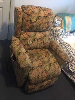 Electric Arm Chair  Aldinga Beach Morphett Vale Area Preview