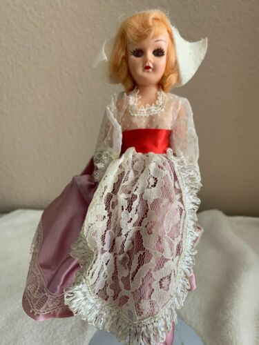 Holland Doll Arco Dolls of the World Atlantic Richfield Gas Premium 1960s