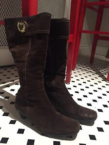 Suede brown boots - made in Canada