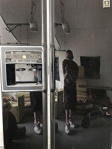 Refrigerateur Ge Noir avec eau et glace