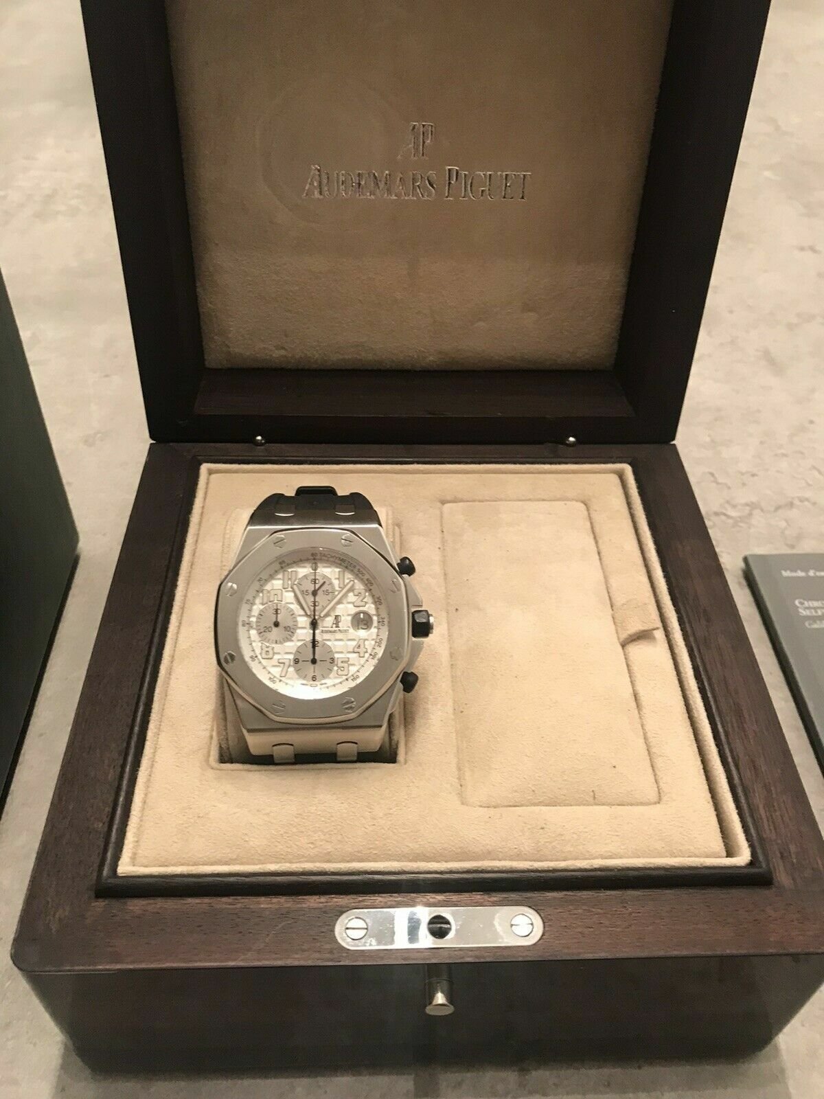 Audemars Piguet Royal Oak Offshore Watch With Gaurantee Box Papers And Straps - watch picture 1