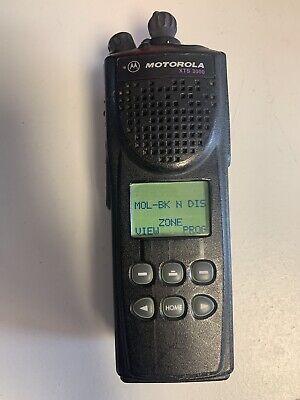 Motorola Astro Xts 3000 Two Way Radio H09ucf9pw7bn Uhf W Batteryantenna