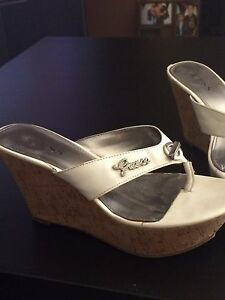 Size 9 guess sandals