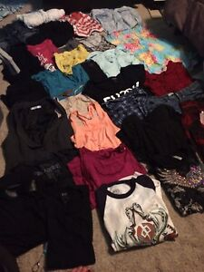 WOMENS BRAND NAME CLOTHES SMALL - LARGE