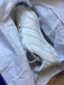 """New Nfinity """"Game Day"""" cheer shoes; size 4"""