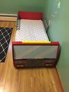 Truck toddler bed