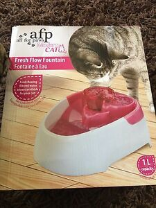 Cat drinking fountain new in box RRP 55.99 Ringwood Maroondah Area Preview