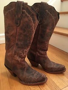 Women's square toed cowboy boot