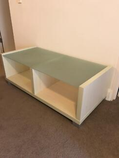 Buffet and coffee table/tv unit FREE