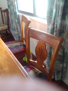 Dining table and 4 chairs Boronia Heights Logan Area Preview