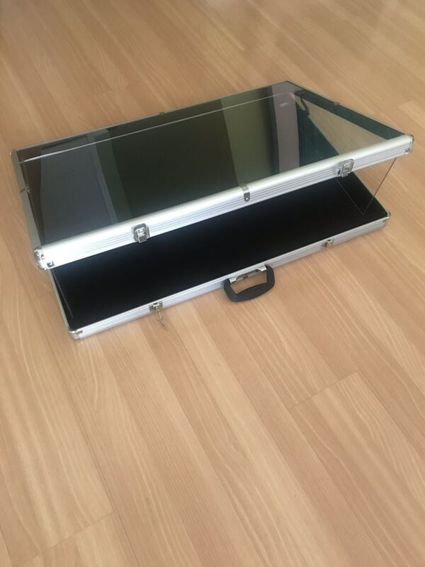 "Brand New LARGE Portable Display Countertop Showcase Aluminum Case Lock 34""x22x3"
