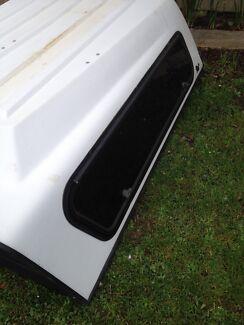 Toyota hilux space cap canopy