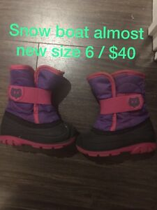 Toddler boat size 6 and winter jacket size 18m to 24m