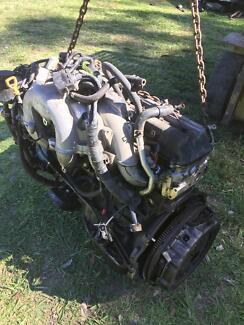 Wrecking a Toyota landcruiser 80 series motor 1 FZ