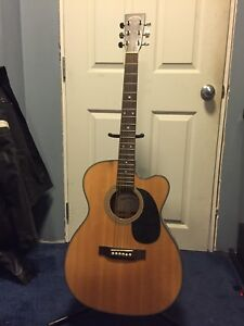 Sigma electric acoustic guitar with hardcase