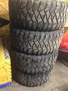 5 bolt dodge 33/12.5r17 Mickey Thompson on fuel hostages