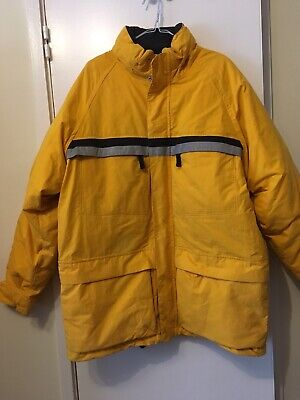 Nautica Mens Jacket Size L.                   In Excellent Condition.