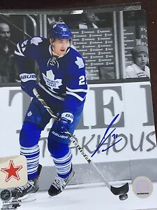 James van Riemsdyk autographed Toronto Maple Leafs 8x10