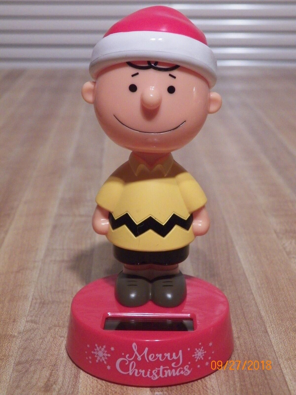 Peanuts Charlie Brown in Santa Hat Christmas Solar Bobble Head