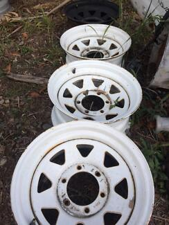 4x sunraysia rims white 6 stud came off a bt50